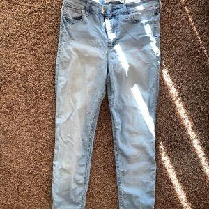 Size 7 Hollister jeans
